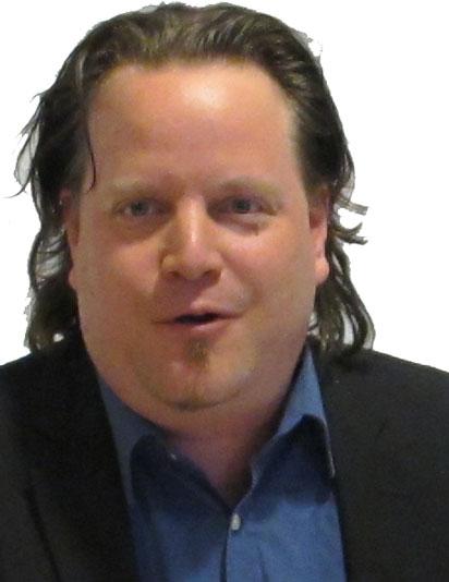 Herr Yves Baer